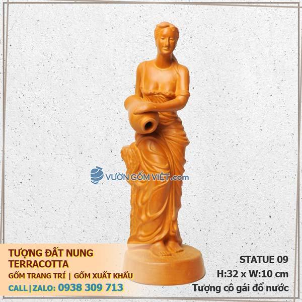 Tượng gốm đất nung trang trí Terracotta 09 Cô gái đổ nước