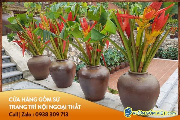 Gợi ý cách trang trí sân vườn đẹp nhất với đồ gốm